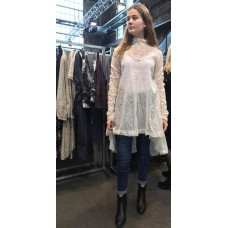 Ewa i Walla Lange organza blouse in ecru met kant en knoopjes